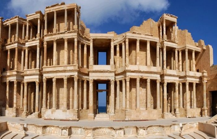 Римский город, погребенный в песке.